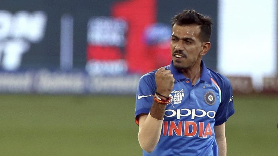 India's Yuzvendra Chahal celebrates the dismissal of Pakistan's Asif Ali during the one day international cricket match of Asia Cup between India and Pakistan in Dubai