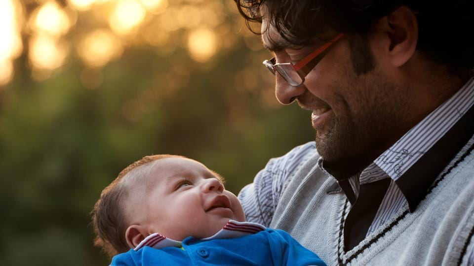 should fathers get paternity leave