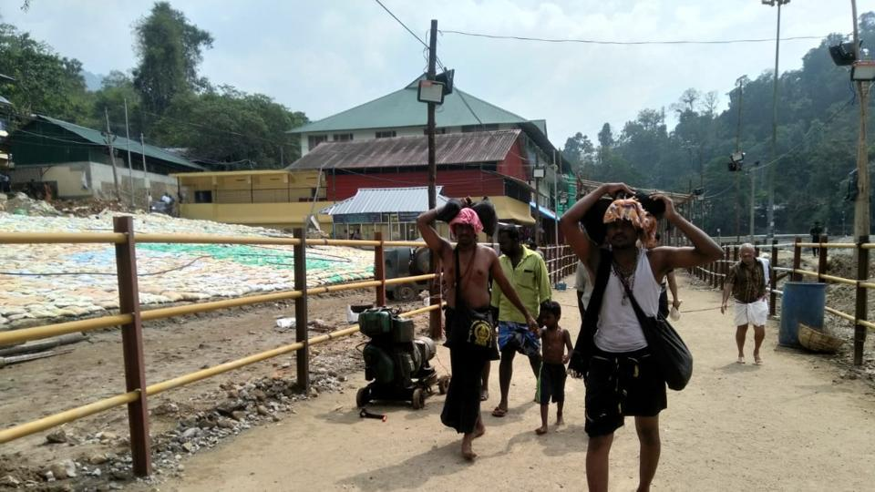 A sudden protest by devotees at the Sabarimala temple surprised the police as the heavy security deployment in the area has affected the pilgrim flow (HT Photo/Vivek Nair)