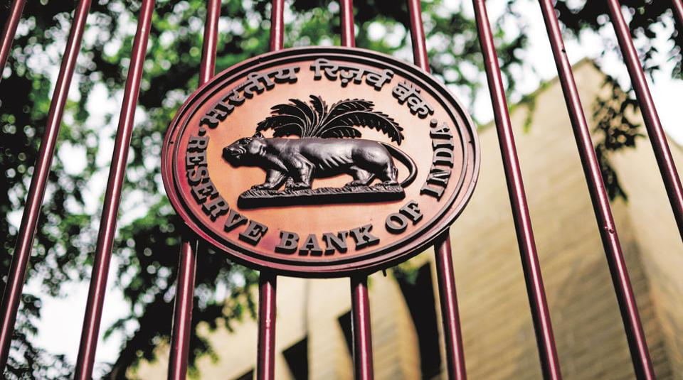 Govt And RBI Signal Truce After 9 Hour Marathon Meeting