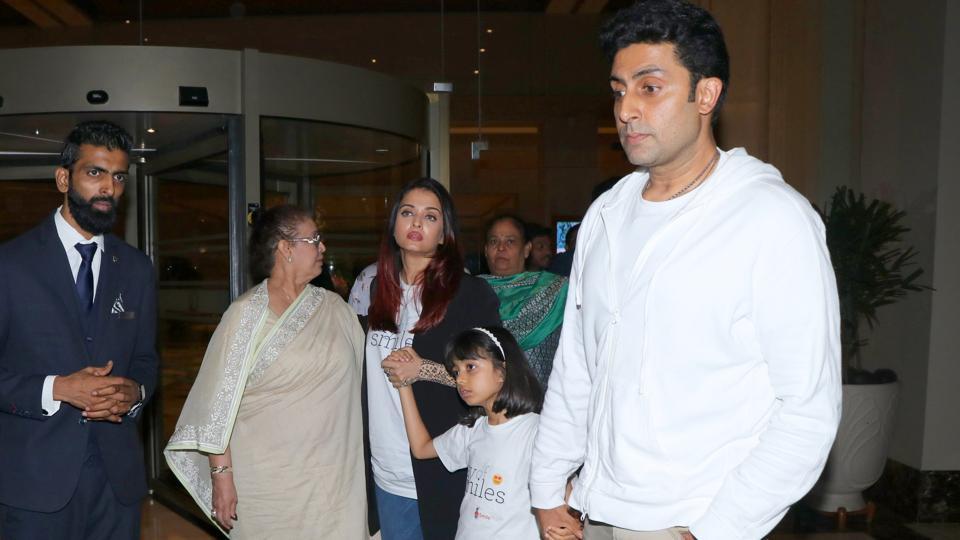 Abhishek Bachchan, Aishwarya Rai and Aaradhya out for a family dinner.