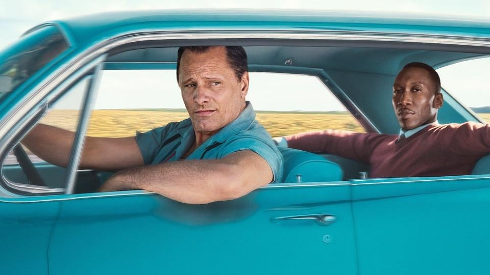 Based on a true story, Green Book follows the Jamaican classical pianist Don Shirly and his driver, an Italian former New York bouncer named Tony 'Lip' Vallelonga, on a journey into the American Deep South.