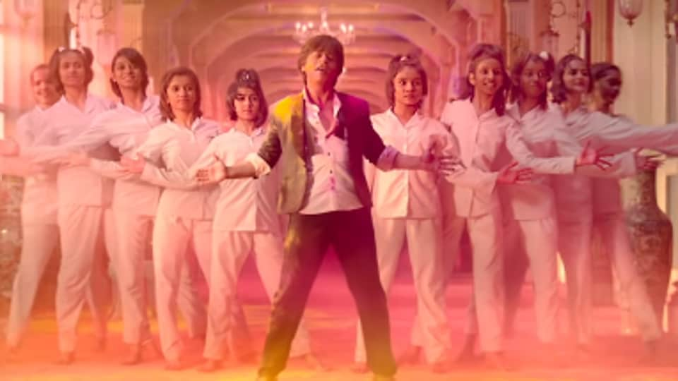 zero song mere naam tu shah rukh khan returns to romantic roots