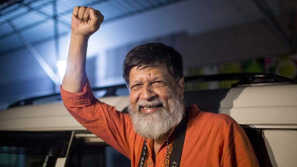 Bangladeshi photographer and activist Shahidul Alam reacts following his release from Dhaka Central Jail, Keraniganj, near Dhaka, after he was granted bail by the High Court a few days prior. (Suman Paul / AFP)