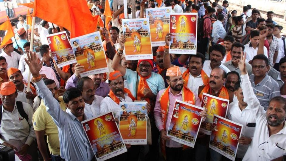 Hundreds of Shiv Sainiks boarded the special train leaving to Ayodhya from Thane station to join Shiv Sena chief Uddhav Thackeray on his journey to the Ram Mandir in Ayodhya ,India, on Thursday, November 22, 2018.