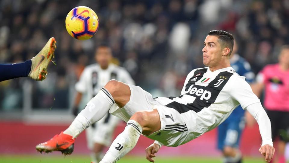ronaldo mandzukic on target as juventus ease past spal football