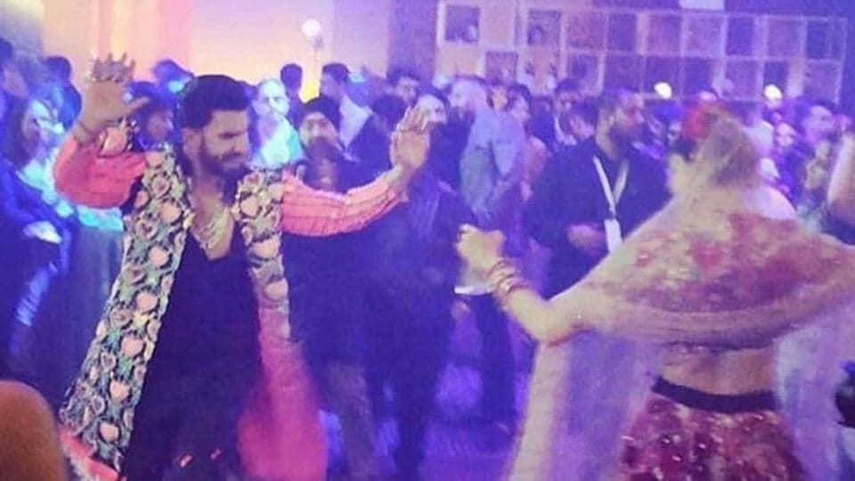 Deepika and Ranveer danced with their guests to Galla Goodiyan, Balam Pichkari and more songs.