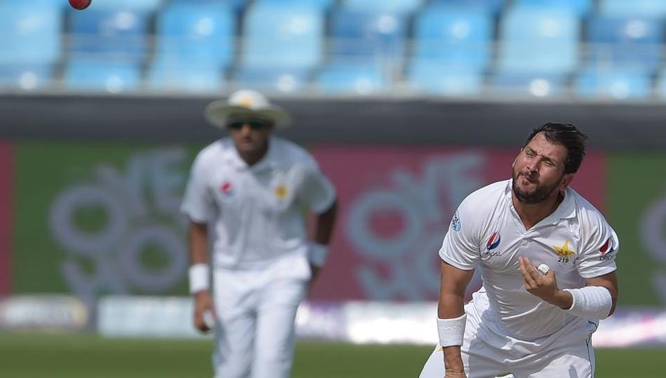 Pakistani spinner Yasir Shah delivers the ball during the third day of the second Test cricket match between Pakistan and New Zealand at the Dubai International Stadium in Dubai on November 26, 2018
