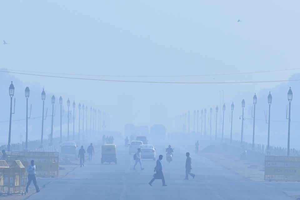 Though Delhi's air quality is likely to worsen on Tuesday and Wednesday after being 'very poor' on Monday, November 26,  chances of it breaching the 'severe' mark are less this time.