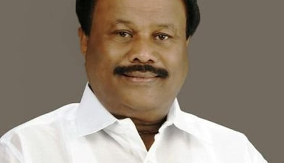 Tamil Nadu forest minister Dindigul C Sreenivasan known for his gaffes was at it again. This time  for urging the  Centre to help the state with flights and choppers to airdrop electric poles in areas devastated by cyclone