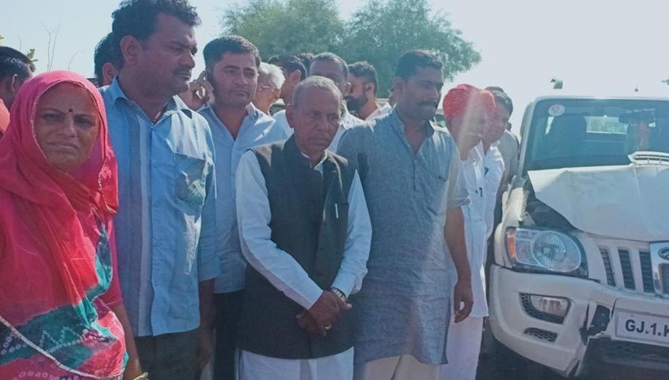 Congress candidate from Barmer assembly constituency has alleged that he was attacked by some miscreants while campaigning and his vehicle was also damaged.