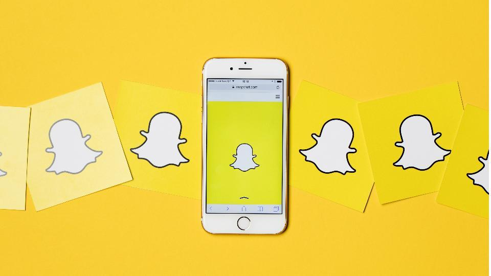 snapchat,snapchat user base,snapchat user growth