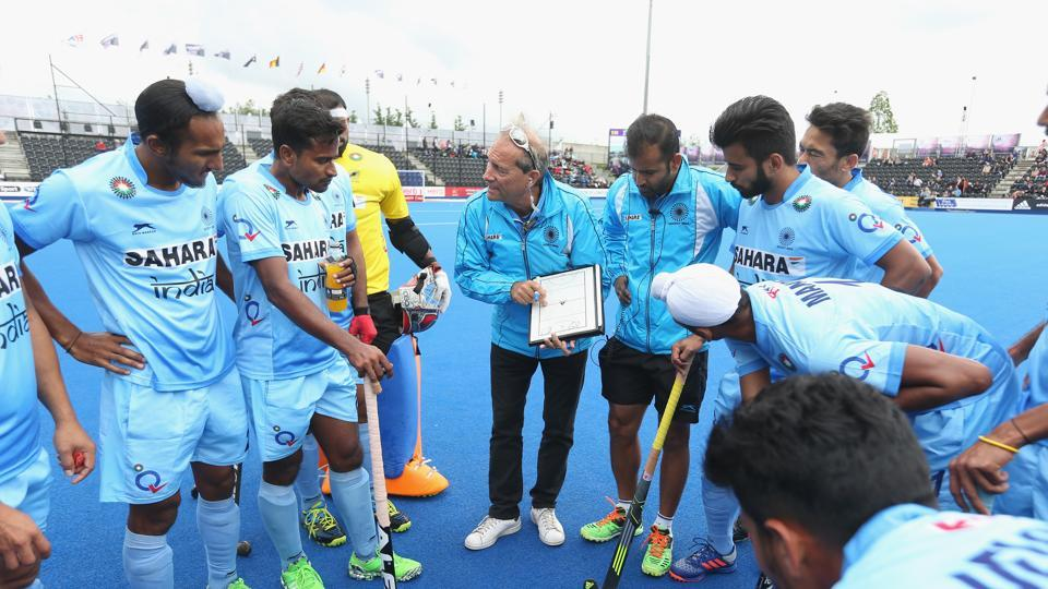 File image of former Indian hockey coach Roelant Oltmans speaking to the players.