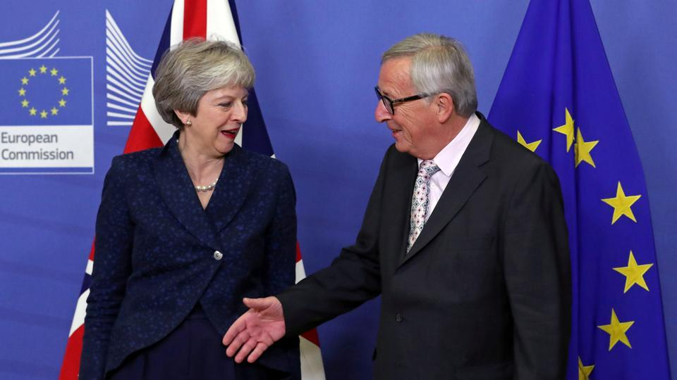 British Prime Minister Theresa May meets with European Commission President Jean-Claude Juncker to discuss draft agreements on Brexit, at the EC headquarters in Brussels, Belgium. (Yves Herman / REUTERS)