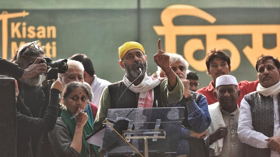 Swaraj Party chief Yogendra Yadav addresses gathered farmers at Jantar Mantar. Denied permission by police to march to Parliament, around 35,000 farmers from across the country have converged near Parliament Street police station, where their leaders addressed the protesters. The national secretary of the AIKSCC, Asish Mittal, said farmers from 24 states have joined the protest. (Sanchit Khanna / HT Photo)