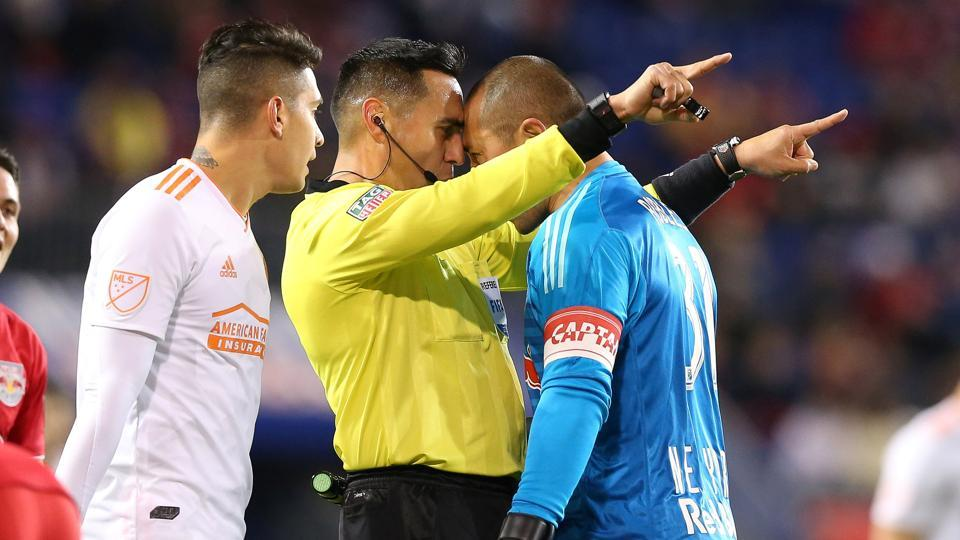 New York Red Bulls goalkeeper Luis Robles (31) argues with referee Jair Antonio Marrufo during the first half of the second leg of the MLS Eastern Conference Championship at Red Bull Arena in Harrison, New Jersey. (Vincent Carchietta -  USA TODAY Sports)