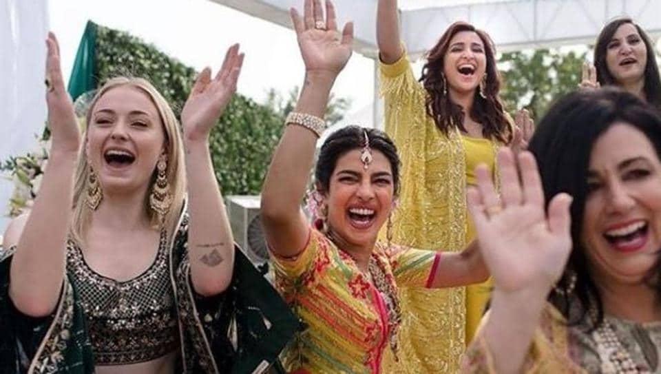 Priyanka Chopra,Nick Jonas,Parineeti Chopra