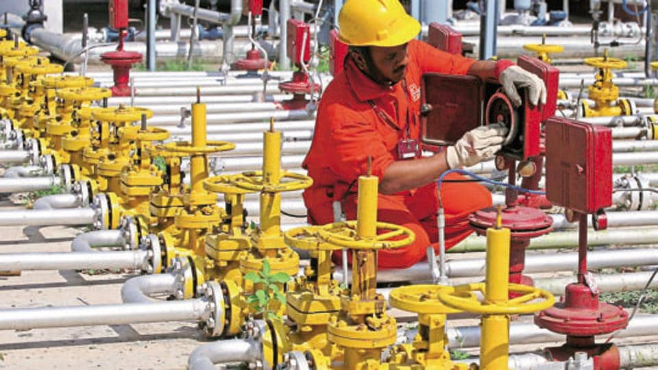 The government has constituted a six-member committee to look at selling as many as 149 small and marginal oil and gas fields of state-owned ONGC and OIL.