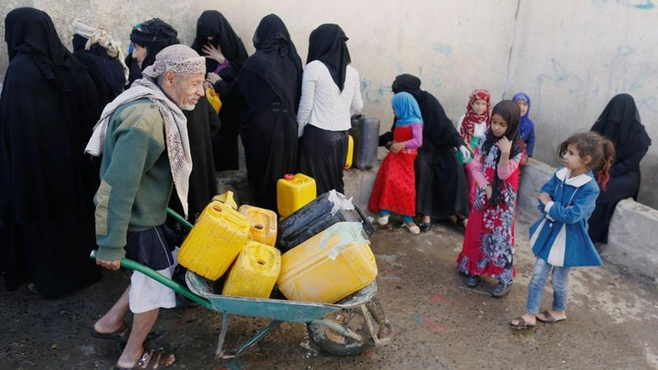 """""""We receive information of reported cases of cholera from the Ministry of Health, then the team sterilises the house and 20 houses around it,"""" Nabeel Abdullah al-Wazeer, the Houthis' minister of water, told Reuters. """"We worked from house to house and on sterilising water wells. We also worked on bus-mounted tanks, which transport water in the private sector to the citizens, as well as sterilizing local institutions which distribute water."""" (Khaled Abdullah / REUTERS)"""