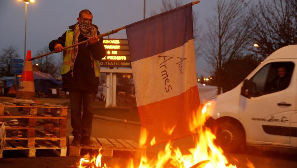 Yellow Vest,Fuel Tax Hikes,Yellow Vest Protest