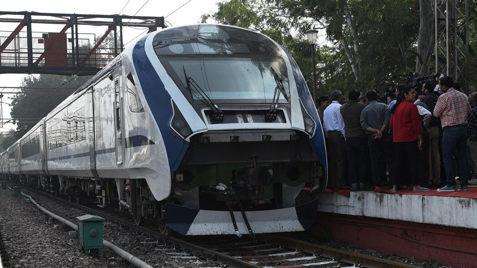 Train 18,Train 18 fire proof,Made-in-India engine-less train