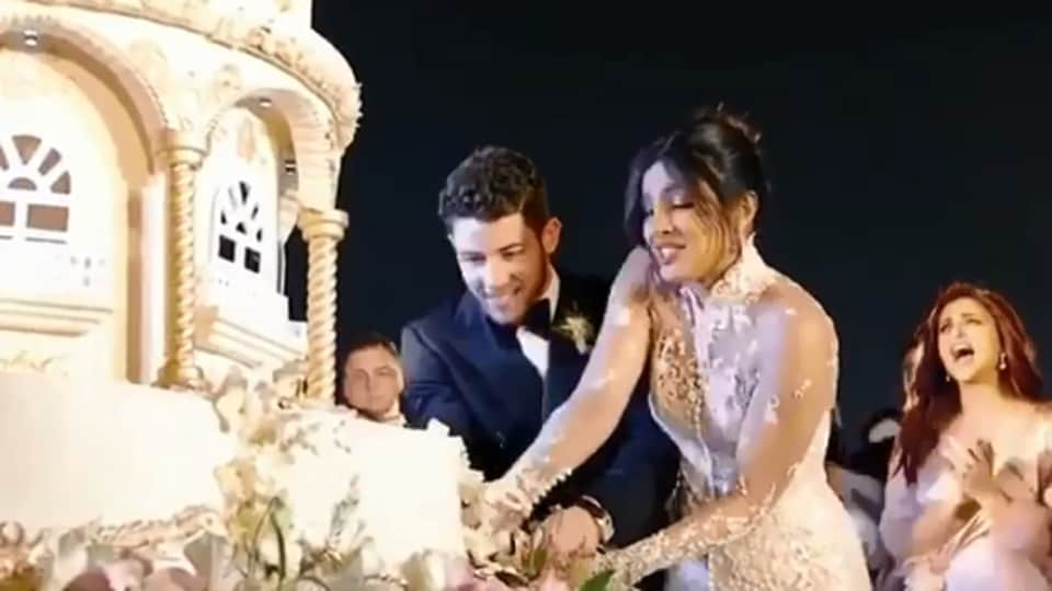 Priyanka Chopra Nick Jonas 18 Foot Wedding Cake Inspires Jokes Is