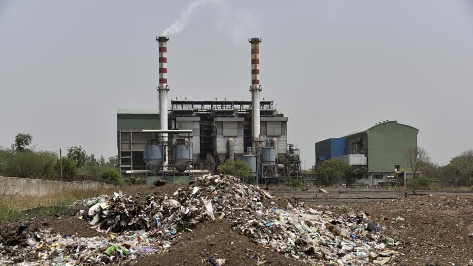 File photo of Timarpur Okhla Waste Management Company Plant at Okhla .  Projects including the engineered landfill site at Okhla announced by the SDMC in the previous years are yet to completed.