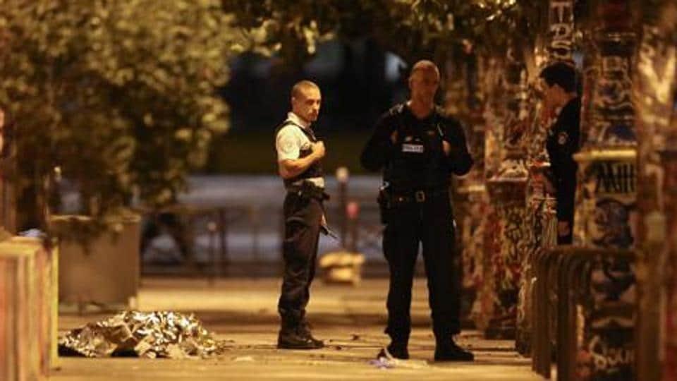 Paris attack,2015 paris attack,French team Kochi