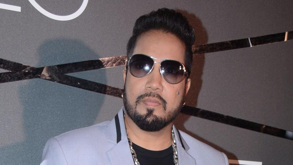 Singer Mika Singh has been charged with sexual harassment by a 17-year-old girl.