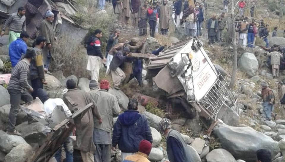 11-killed-bus-falls-into-gorge-in-kashmir-039-s-poonch/