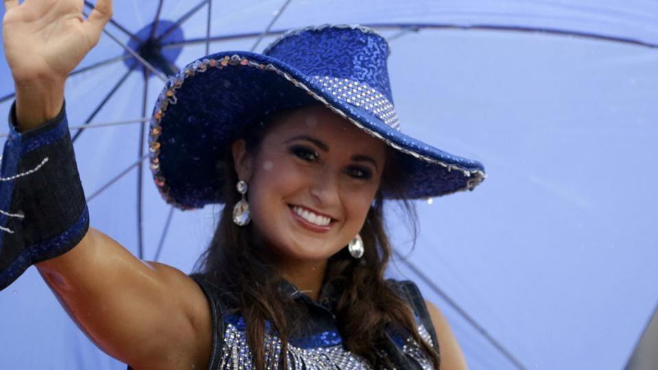 Teacher, former Miss Kentucky accused of sending naked