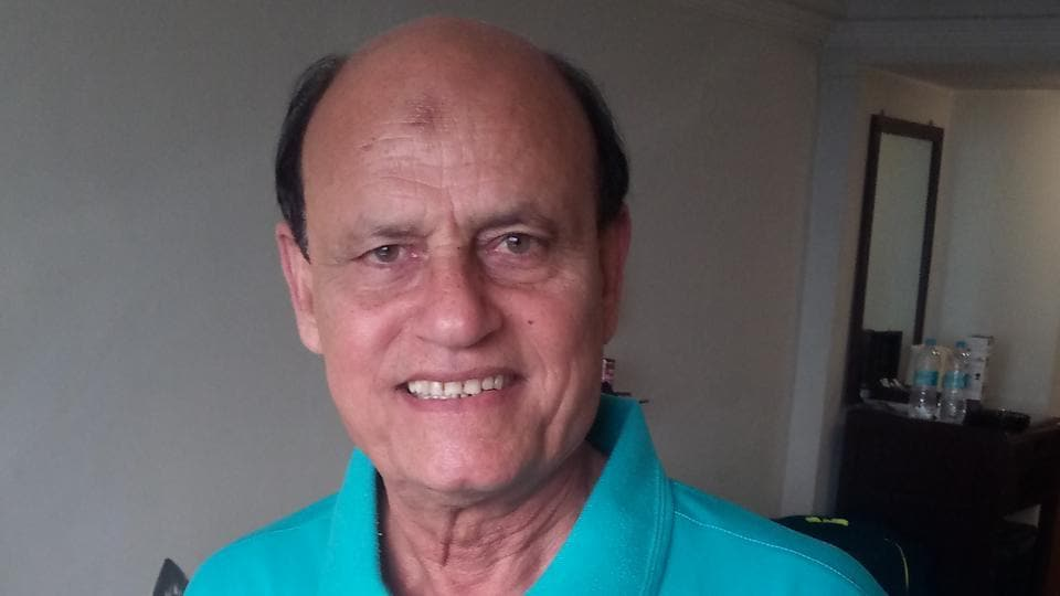 Former Pakistan captain Islahuddin Siddiqui  (pic) asked Ashok Kumar to sing a song just before the 1975 World Cup final between India and Pakistan.