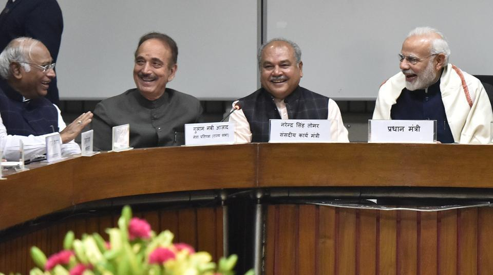 (L to R) Leader of opposition of Lok Sabha Mallikarjun Kharge, Leader of opposition in Rajya Sabha Ghulam Nabi Azad, Union Minister of Parliamentary Affairs and Rural Development, Panchayati Raj and Mines Narendra Singh Tomar, Prime Minister of India Narendra Modi, Union Home Minister Rajnath Singh, attend an all-party meeting, ahead of the Winter Session of Assembly, at Parliament Library Building in New Delhi, India on Monday, December 10, 2018.