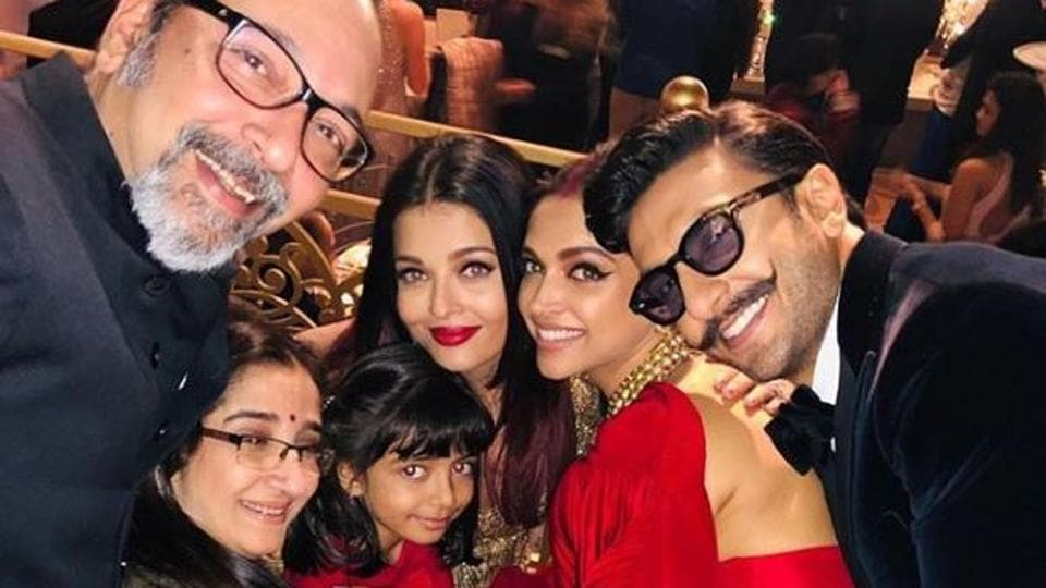 Deepika Padukone, Aishwarya Rai, Aaradhya and Ranveer Singh pose together and it's one special pic