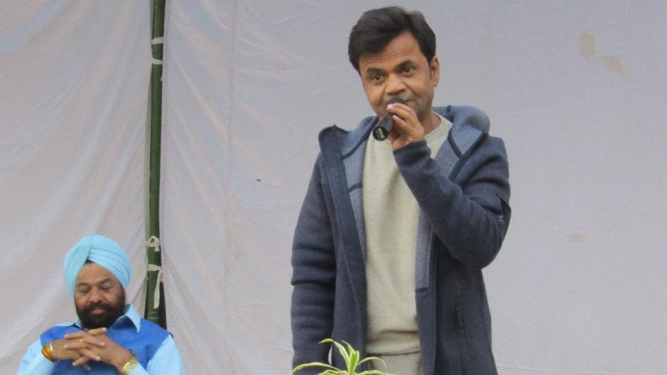 Actor Rajpal Yadav, serving prison sentence, performs comedy