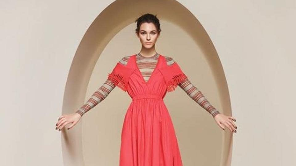 Living Coral Is Pantone S Colour Of The Year 2019 How To Wear It