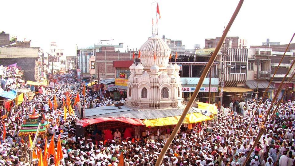 Located in Solapur district in south Maharashtra, Pandharpur has a tradition of warkaris coming to the temple town on the 11th day of every fortnight [ekadashi] according to the Hindu calendar.
