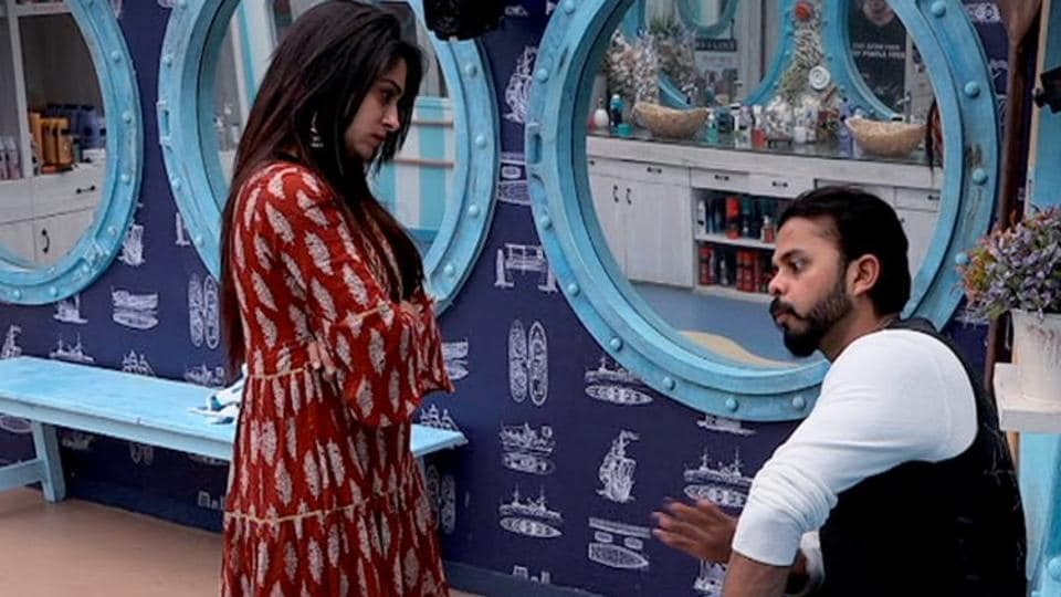 Deepak calls Surbhi 'Fake', Surbhi wins the ticket to finale task