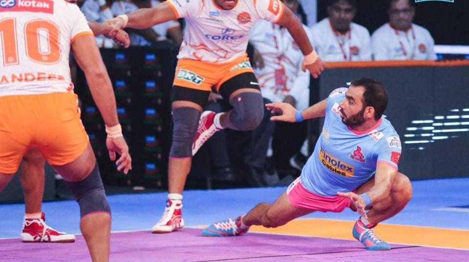 Anup Kumar (R), former captain of the Indian kabaddi team, in action for his franchise Jaipur Pink Panthers in a Pro Kabaddi League match.
