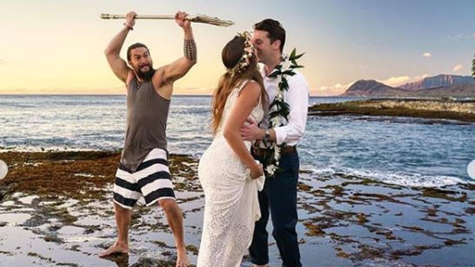 Aquaman Jason Momoa Crashes Wedding