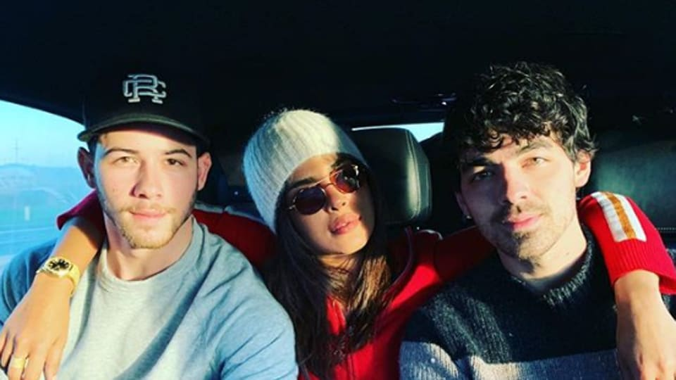 Priyanka Chopra celebrates the holiday season with her husband Nick Jonas and his brother, Joe Jonas.
