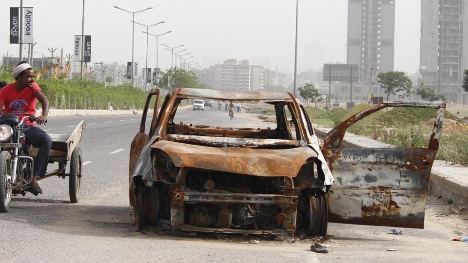 A techie, returning home from work, was burnt alive when his car caught fire near his house in Kasna area of Greater Noida on Tuesday (Representative Photo)