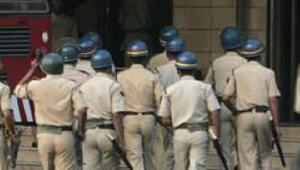 A Sunday mass was attacked in Maharashtra's Kolhapur on December 23 by a mob of about 10-12 people, police officials said.