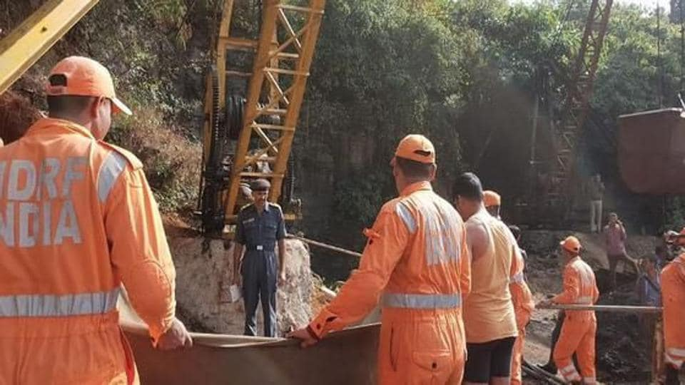 Families pray for Indian miners trapped underground for 13 days