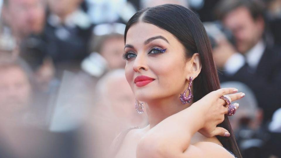 Aishwarya Rai's elaborate Michael Cinco gown at Cannes Film Festival 2018 took 3,000 hours to handcraft. (Instagram)