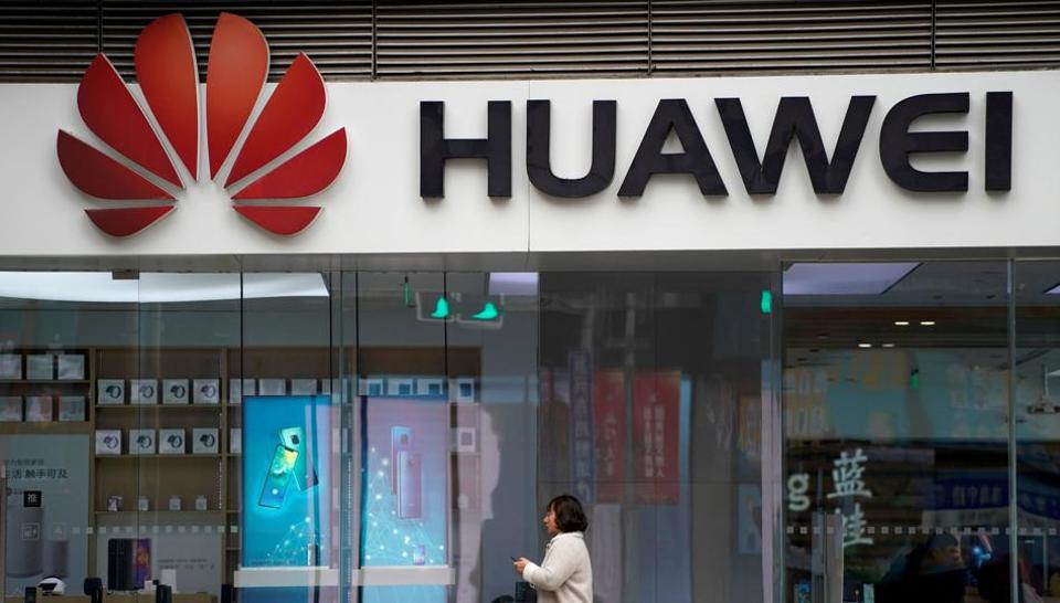 Chinese firms are asking employees to boycott Apple in support of Huawei