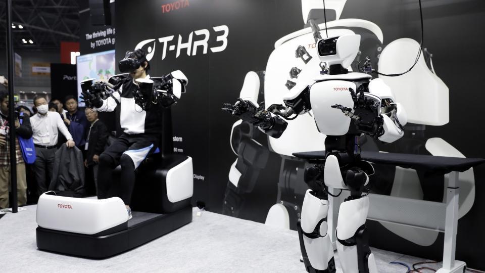 Toyota,toyota robots,robotics