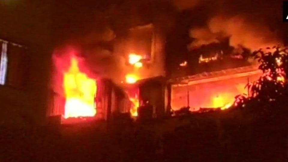 A major fire broke out in a high rise building located at Tilak Nagar in Mumbai.
