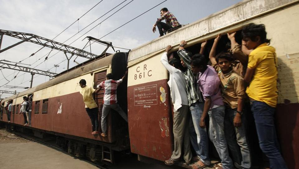 Commuters faced a tough time on Harbour line of Central Railway on Thursday morning after an overhead wire snag stalled services between Mumbai's Belapur and Panvel.