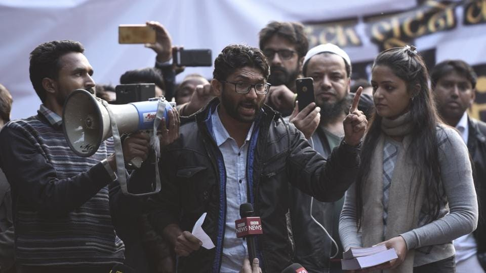 Newly-elected Gujarat MLA and Dalit leader Jignesh Mevani launched an attack against the ruling BJP in his address at the 'Yuva Hunkar' rally at Parliament street, in New Delhi. (Burhaan Kinu / HT Photo)